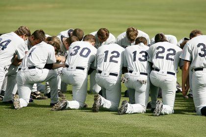 baseball-team-1529412_640