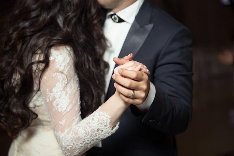 社交ダンスに対する素朴な疑問/パートナーとの関係や身長差について