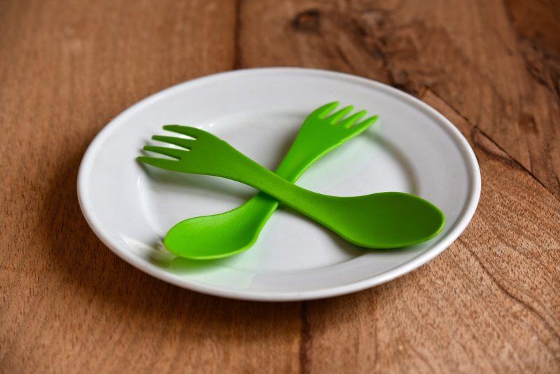 プラスチックの食器