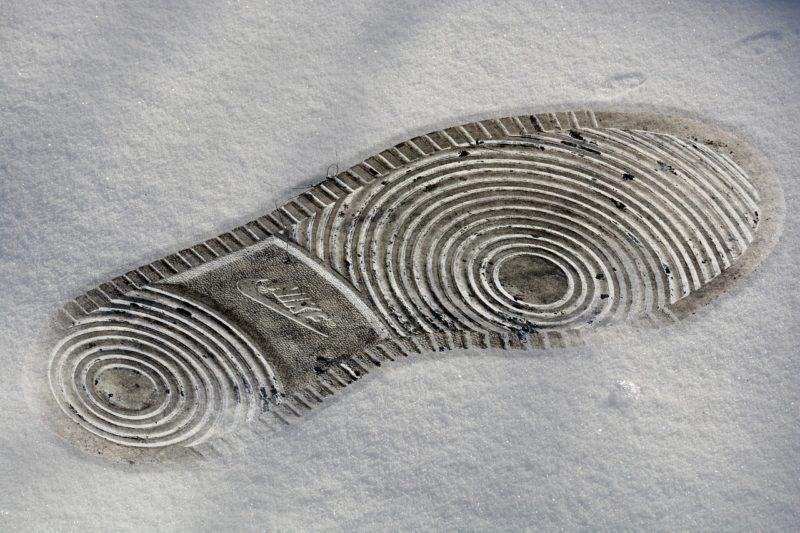 雪でも滑らない靴底