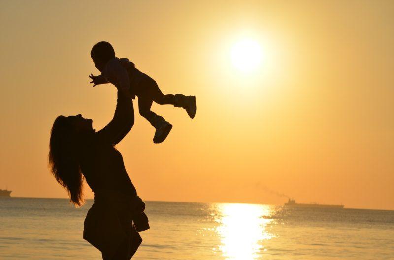 風吹ジュンの年齢や身長は?息子や娘との壮絶人生が演技に出てる?