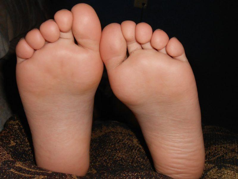 朝、足の裏が痛い!土踏まずや親指の付け根など場所で病気が違う?