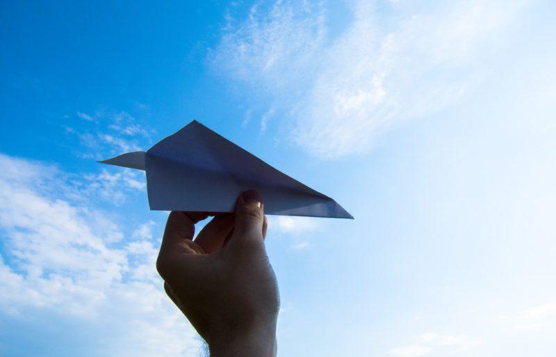 紙飛行機の日